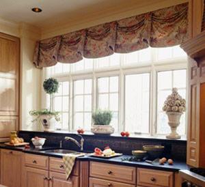 Phong thủy: Kiêng đặt bếp dưới cửa sổ