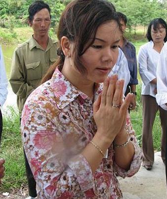 Hé lộ sự thật về nhà ngoại cảm Phan Thị Bích Hằng, he lo su that ve nha ngoai cam Phan Thi Bich Hang